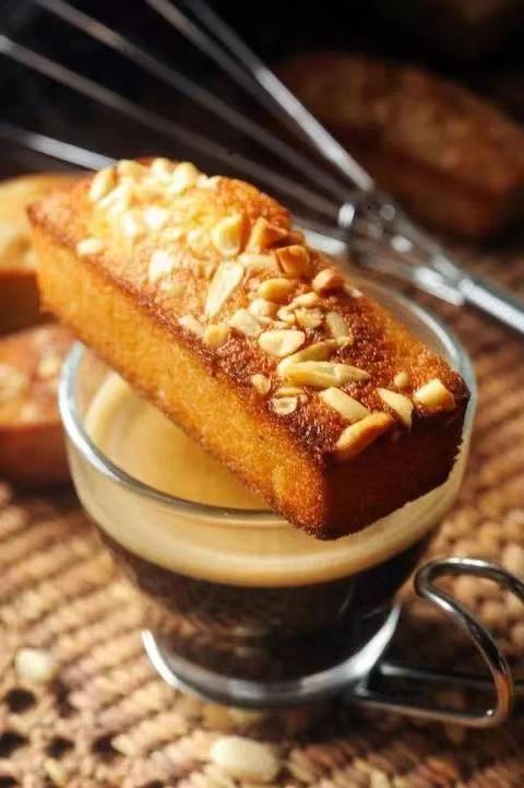 美斯烘焙学校教你制作【费南雪】小蛋糕